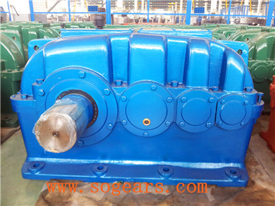 Shaft mounted reduction gear