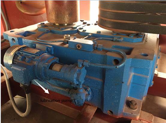 gearbox-with-oil-pumps
